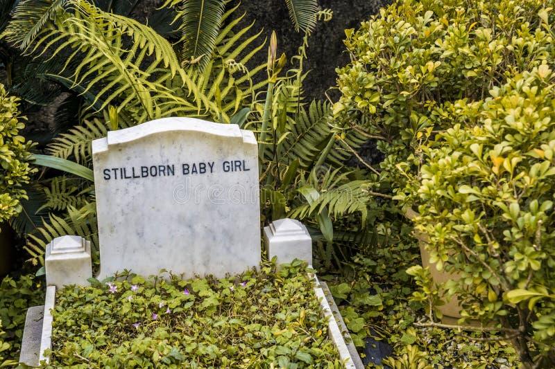 Все еще принесенный надгробный камень младенца стоковое фото