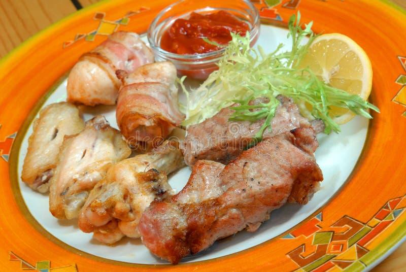 все зажаренные виды мяса решетки стоковая фотография rf