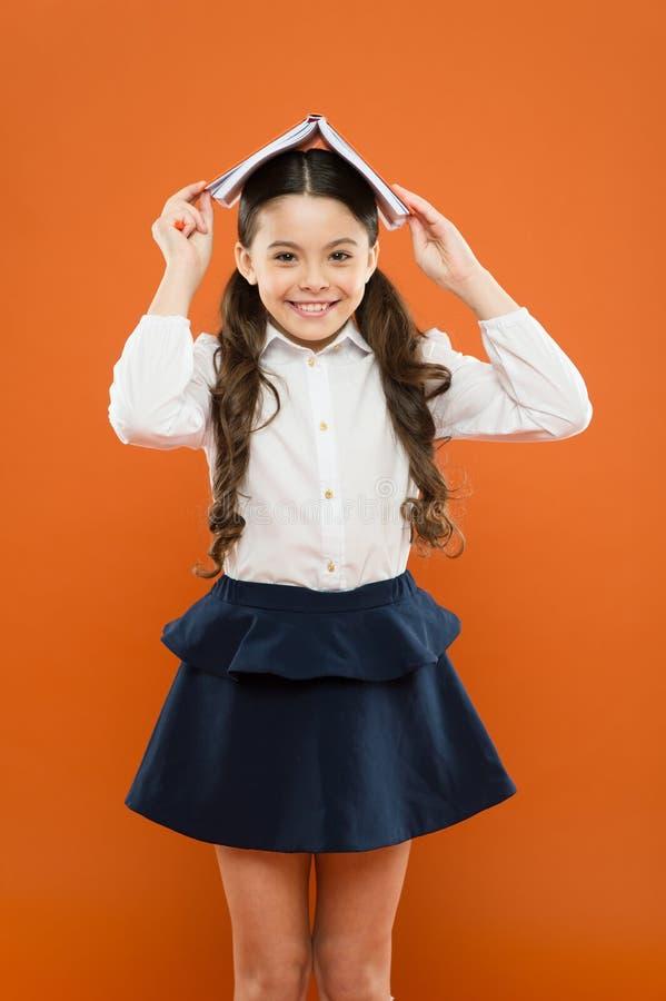 Все управляет E r   Девушка школы стоковые фото