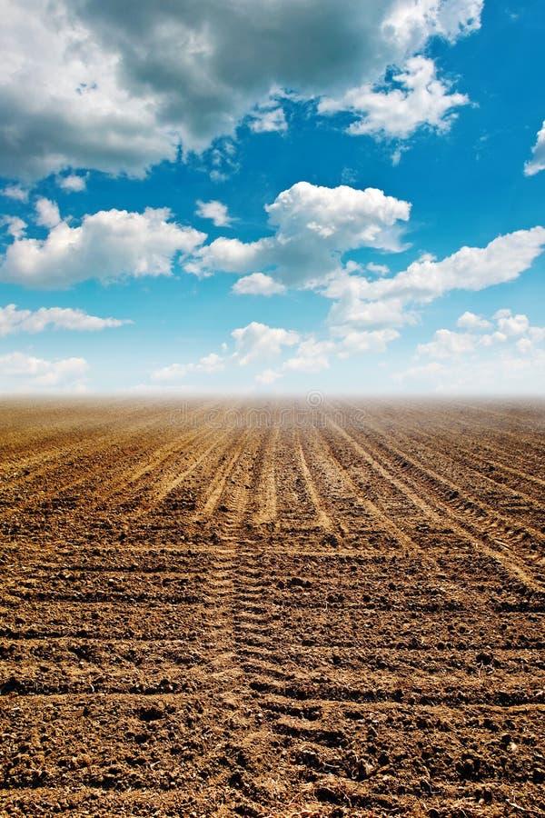 Вспаханная земля стоковое изображение