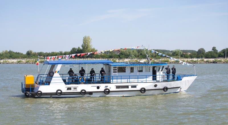 Вспомогательное судно полиции на Дунае стоковое изображение