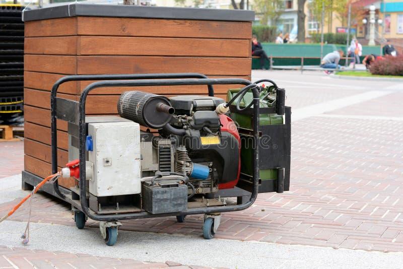 Вспомогательный тепловозный генератор для непредвиденного электричества стоковая фотография rf