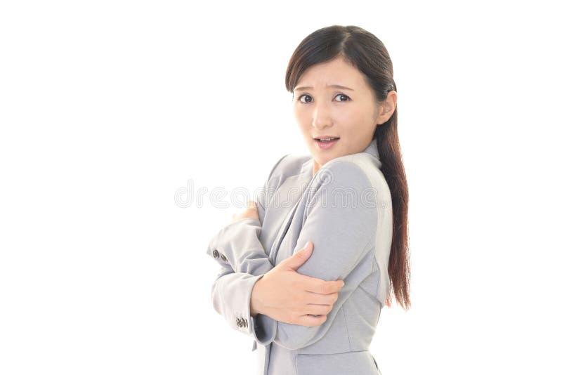 вспугнутая женщина стоковое изображение