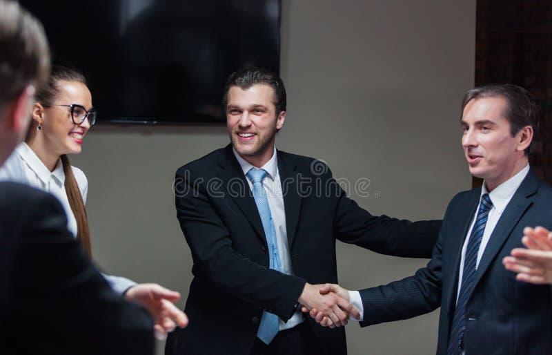 Встреча бизнесменов стоковые фотографии rf