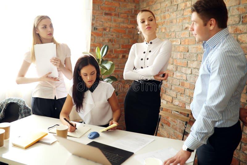 Встреча офиса стоковые изображения
