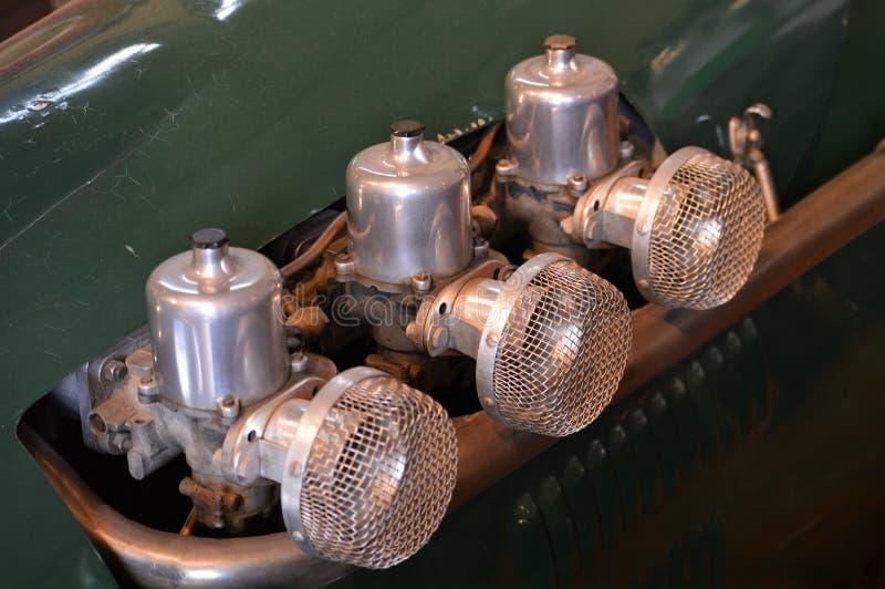 Встроенные карбюраторы автомобиля стоковое фото rf