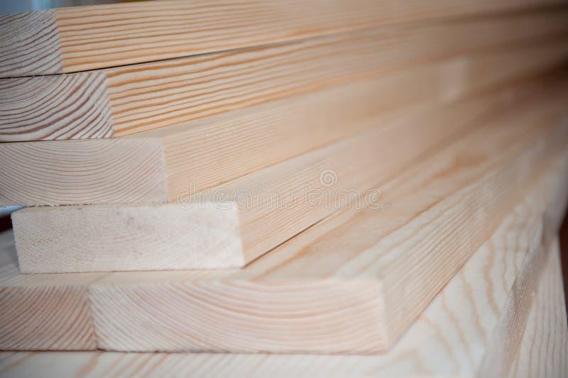 всходит на борт древесины Тимберс в запасе стоковая фотография