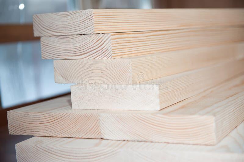 всходит на борт древесины Тимберс в запасе стоковая фотография rf