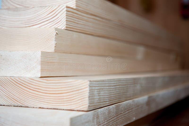 всходит на борт древесины Тимберс в запасе стоковое изображение rf