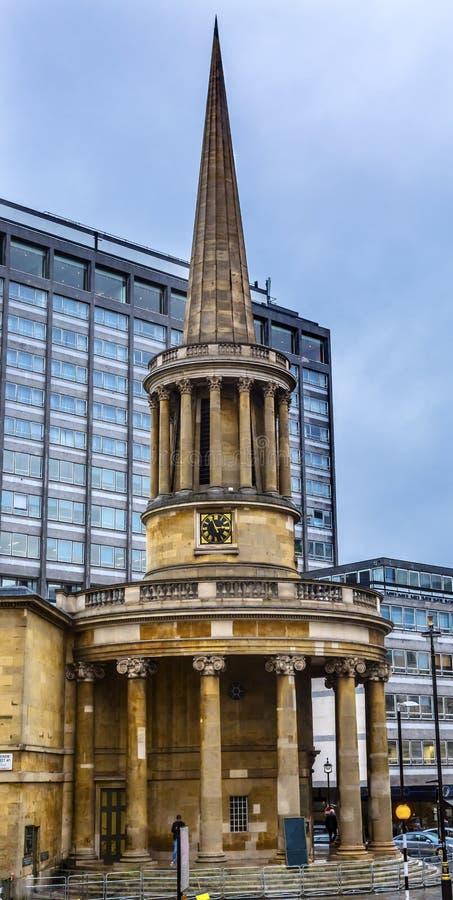 Вся Англиканская церковь Лондон Англия места Langham душ стоковые изображения