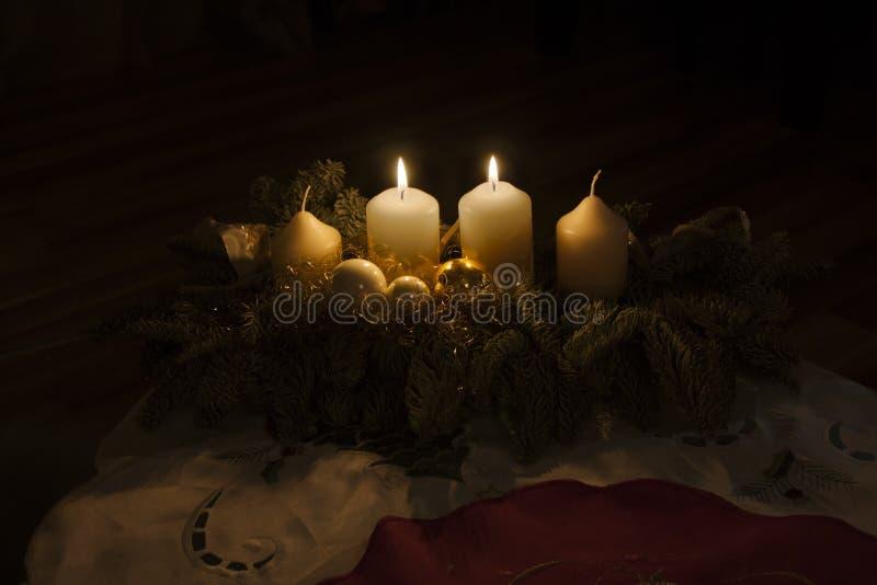 Второй гореть свечей пришествия стоковые изображения