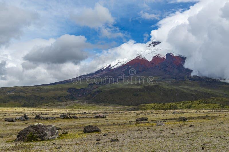 Вулкан Котопакси около Кито, эквадора стоковые изображения rf