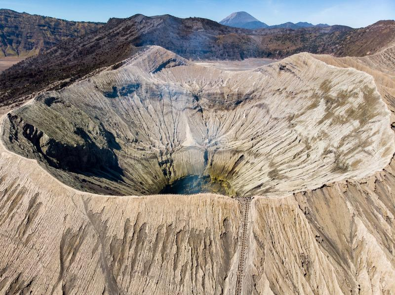 Вулкан кратера держателя вида с воздуха величественный, Kawah Bromo стоковые фото