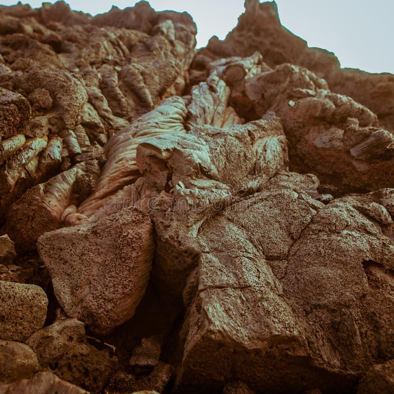 Вулкан утеса конца-вверх лавы каменный горячий стоковые фото