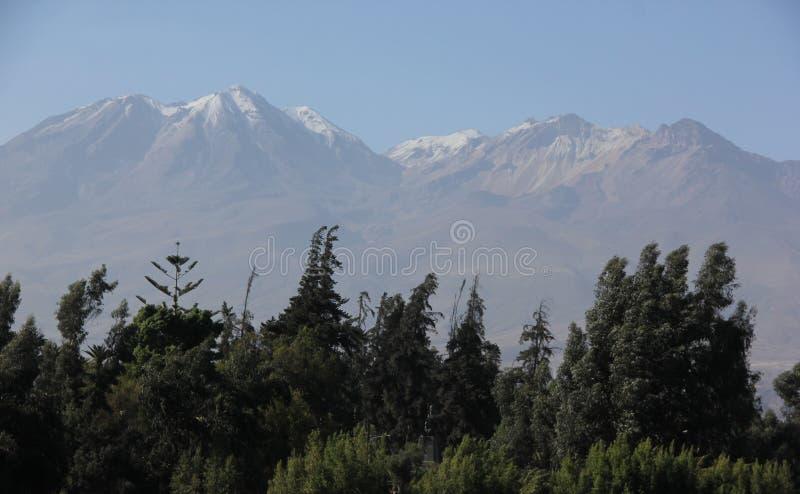 Вулкан El Misti на Altiplano стоковые фото