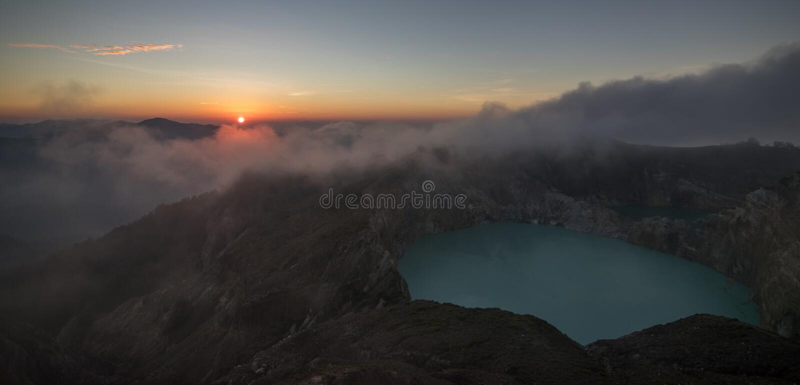 Вулкан Kelimutu на острове Flores - Индонезии стоковые фото