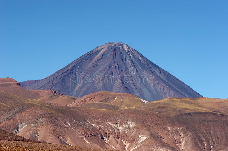 вулкан licancabur пустыни Чили atacama стоковое фото