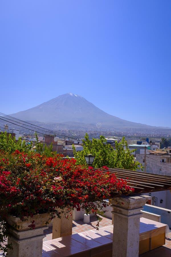 Вулкан Misti около Arequipa, Перу стоковое фото rf