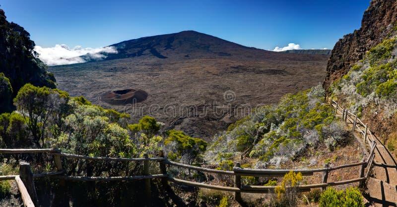 вулкан piton la de fournaise