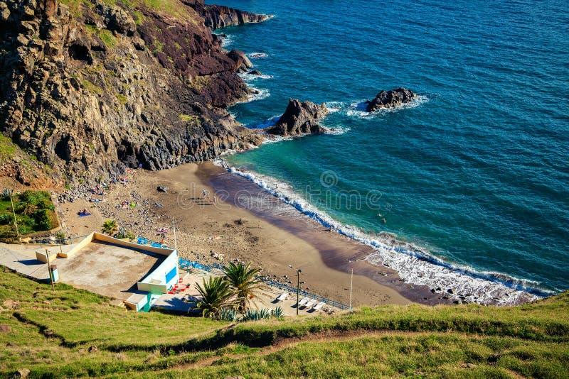 Вулканический пляж Prainha песка стоковая фотография rf