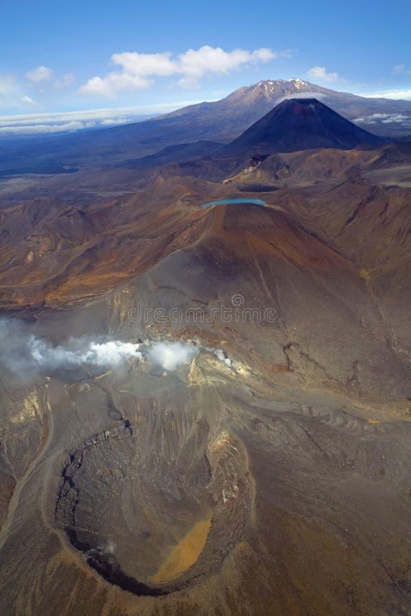 Вулканы в национальном парке Tongariro, Новой Зеландии стоковые фотографии rf