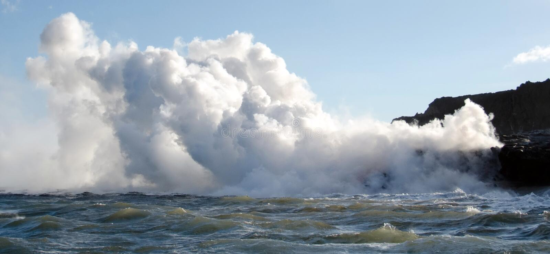 вулкан лавы kilauea Гавайских островов подачи стоковые изображения rf