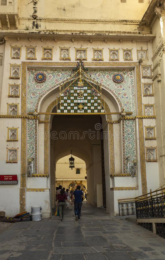 Вход дворца города, Udaipur, Раджастхана, Индии стоковые изображения