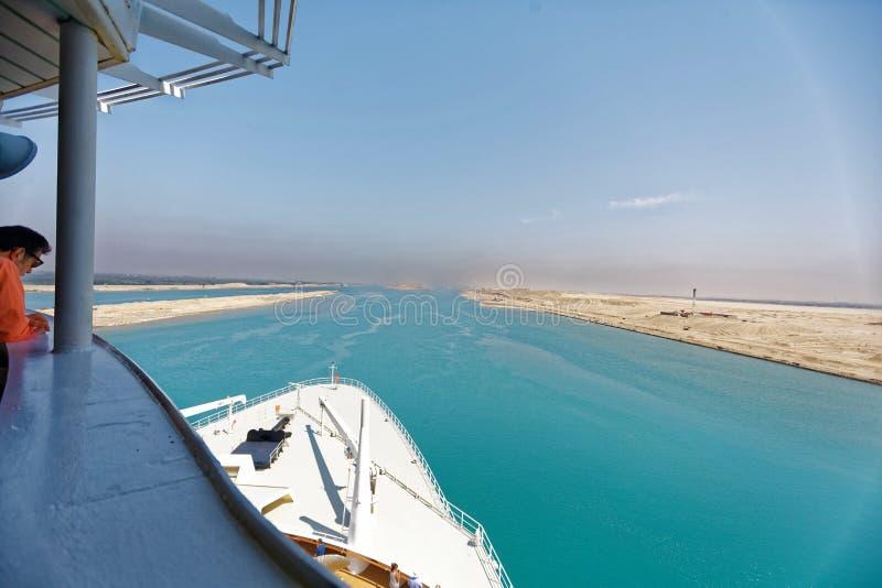 Вход канала Суэца в Египет кораблем стоковое фото rf