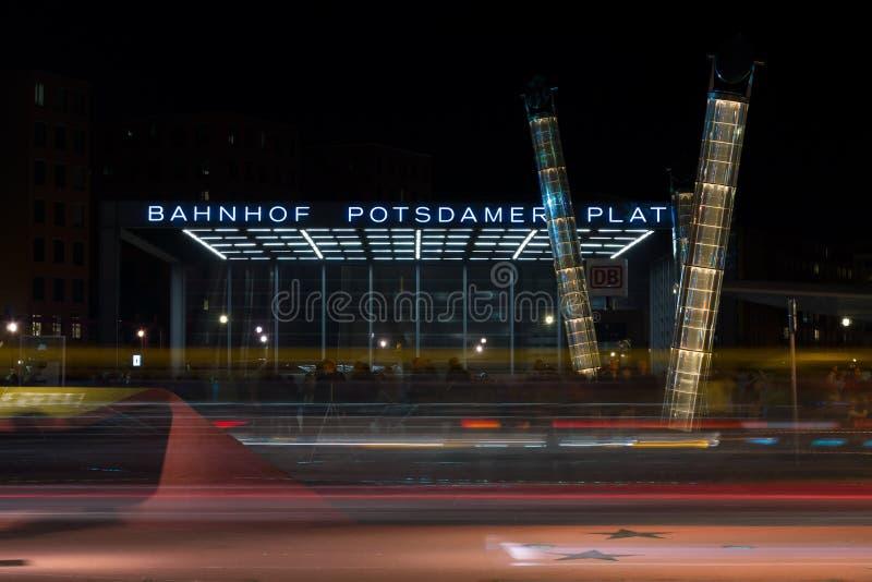 Вход к железнодорожному вокзалу на Postadmer p стоковые изображения rf