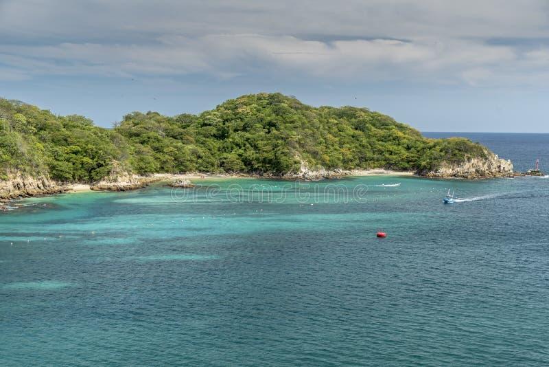 Вход к заливу Santa Cruz Huatulco Мексике стоковое фото