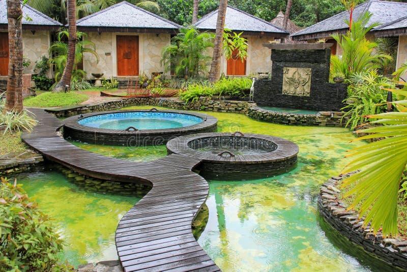 Вход к зоне релаксации спа в тропическом спа-курорте стоковое фото