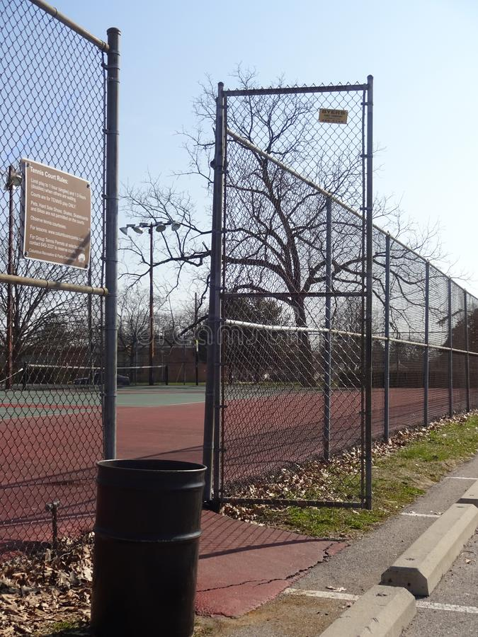 Вход к теннисному корту стоковое изображение rf