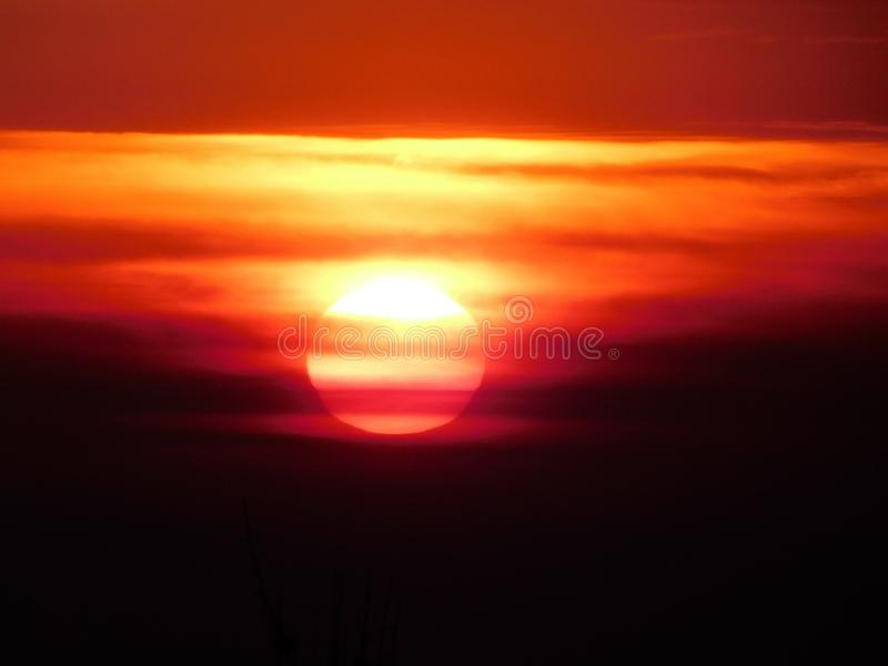 Вход Солнця в после полудня стоковая фотография