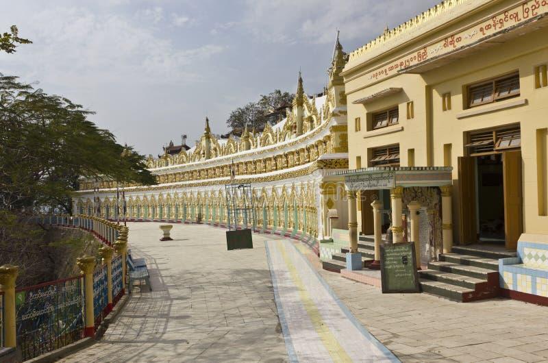 Вход виска u минимального Thonze буддийского на холме Sagaing стоковое фото