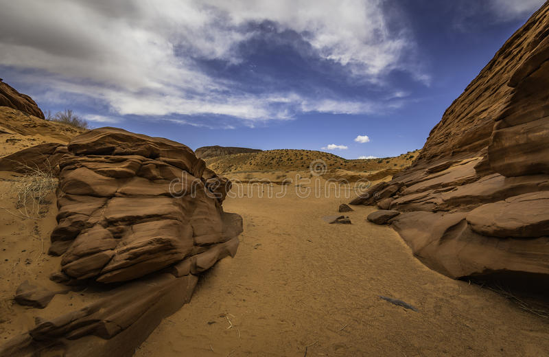 Вход и выход каньона антилопы стоковые фотографии rf