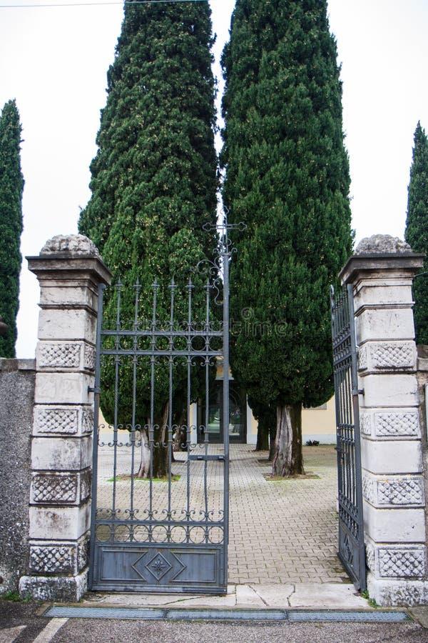 Вход кладбища стоковое изображение