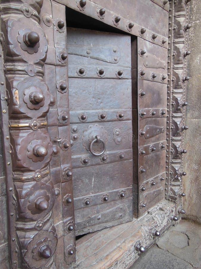 Вход к загадочному Shaniwar Wada стоковые фотографии rf