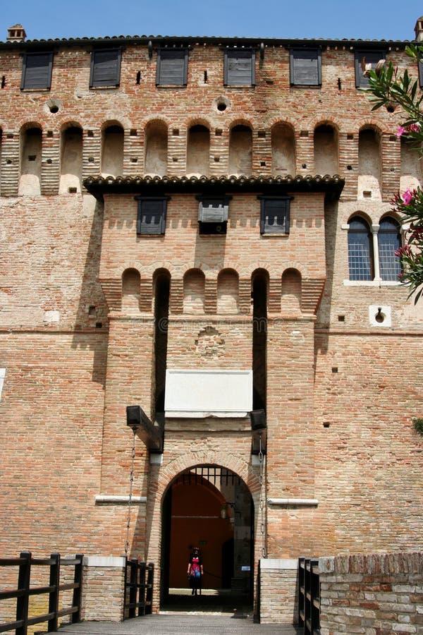 Вход к замку Gradara, центральной Италии стоковые фотографии rf