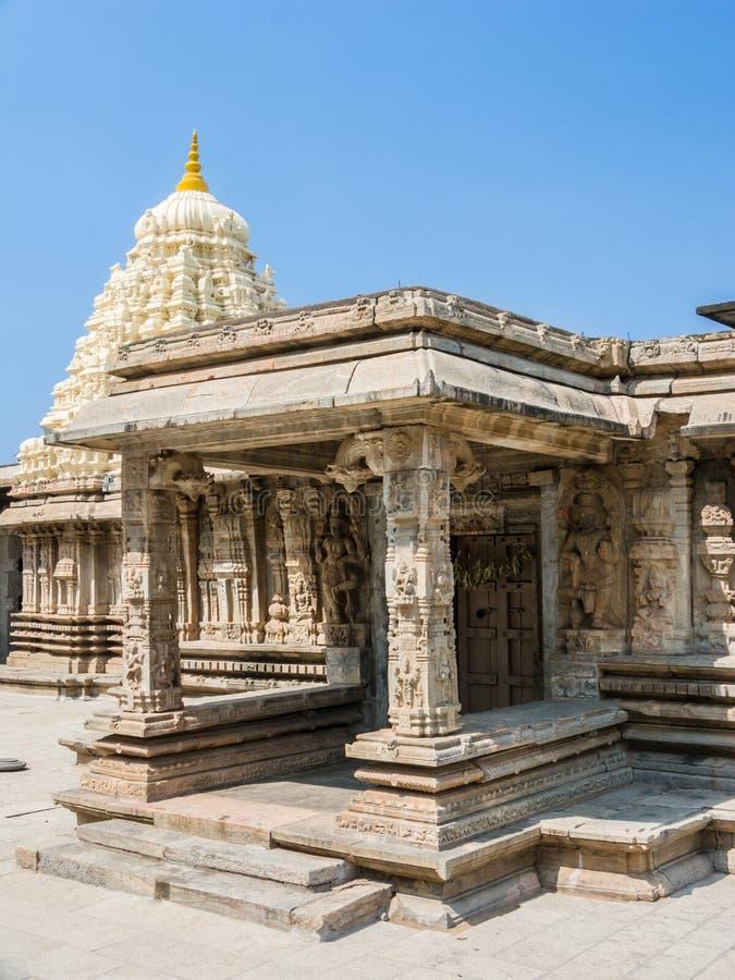 Вход к святыне на Somanathapur стоковые изображения rf