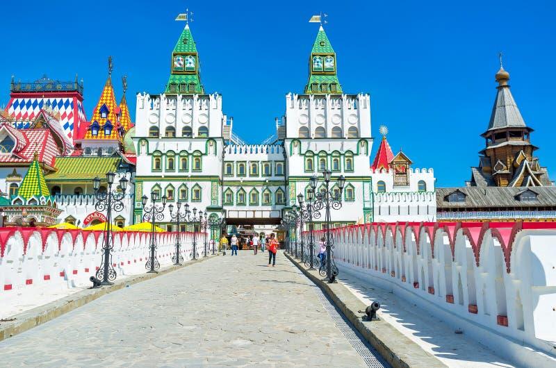 Вход к Izmailovsky Кремлю стоковое изображение rf
