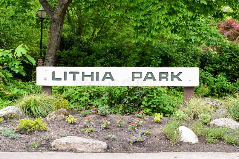 Вход к Lithia парку стоковая фотография rf