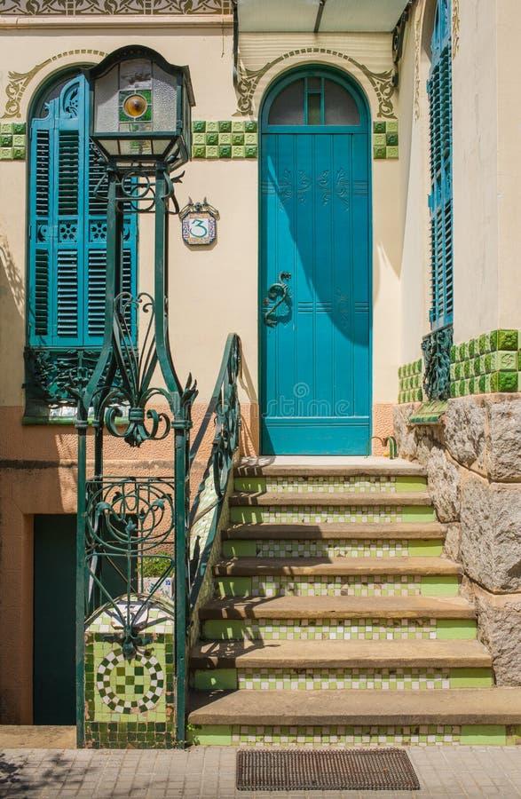 Входная дверь особняка Bombonera Ла стоковые фото