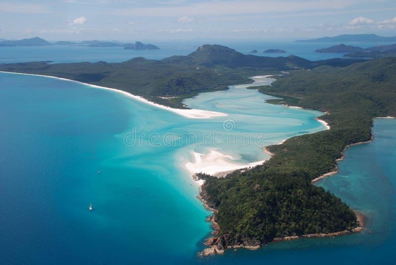 Вход пляжа и холма Whitehaven, острова Whitsunday, Австралия стоковые фотографии rf