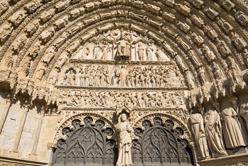 Вход собора Буржа, Франция стоковое изображение rf