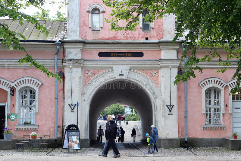 Въездные ворота в замке Суоменлинны в Хельсинки, Финляндии стоковое фото rf