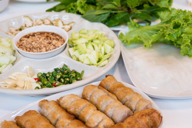 Въетнамские обручи фрикадельки с овощами стоковые фотографии rf