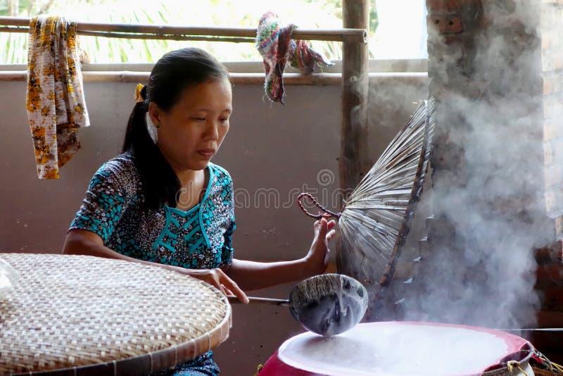 Въетнамский варить женщины стоковые изображения