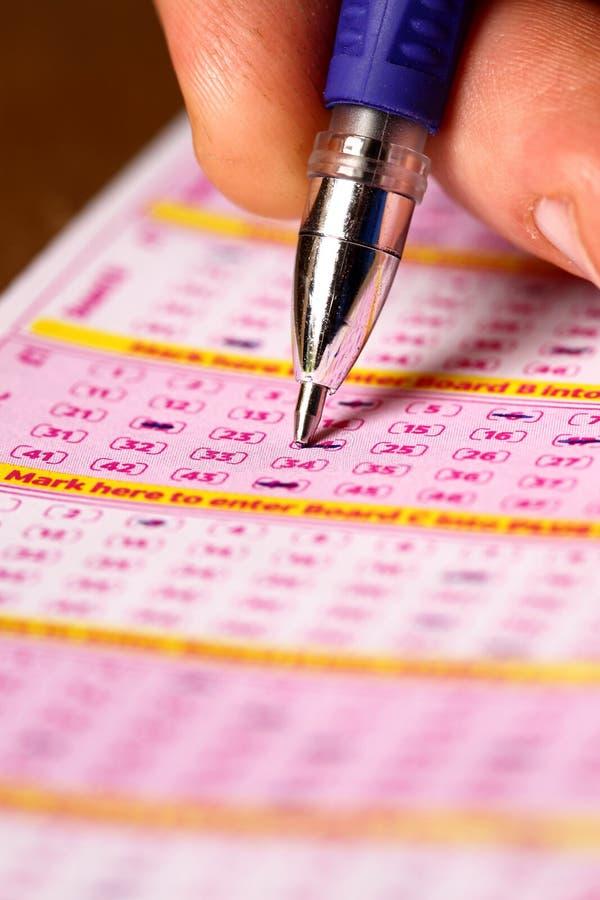выбирать номера лотереи стоковое изображение rf