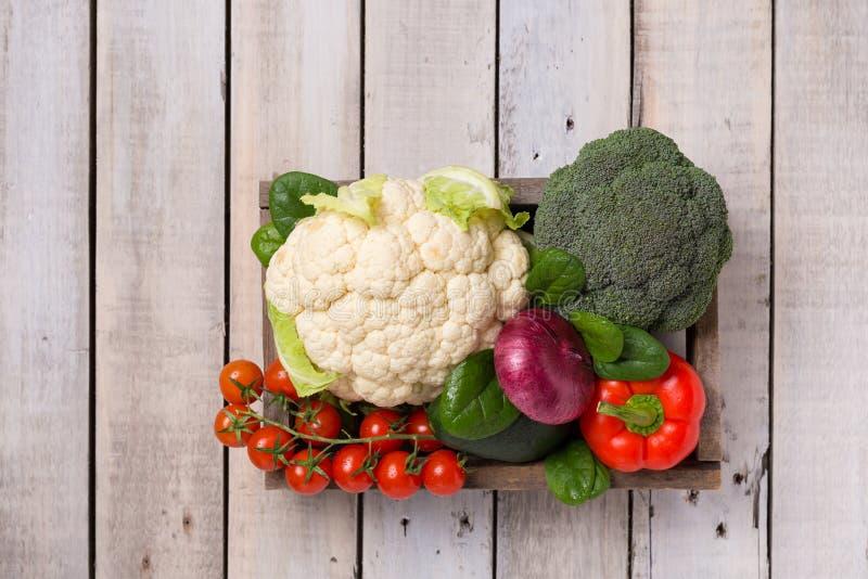 Выбор здоровой еды для сердца, концепции жизни Овощи стоковое изображение