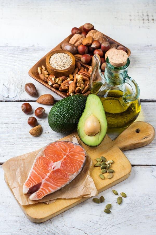 Выбор здоровой тучной еды источников, концепция жизни стоковая фотография rf